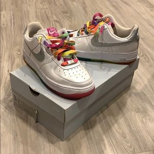 Nike Shoes - Nike AIR FORCE 1
